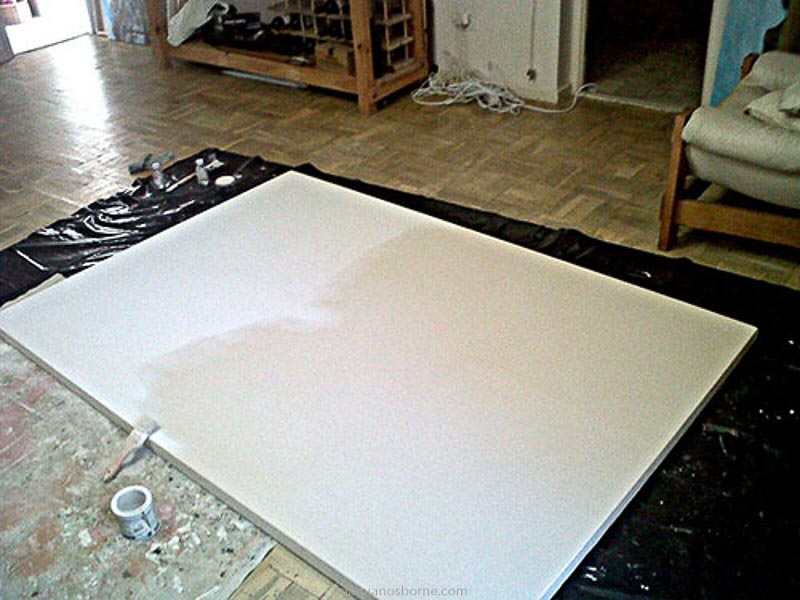 Priming the canvas with oil-based primer, painting the traditional way, Damian Osborne